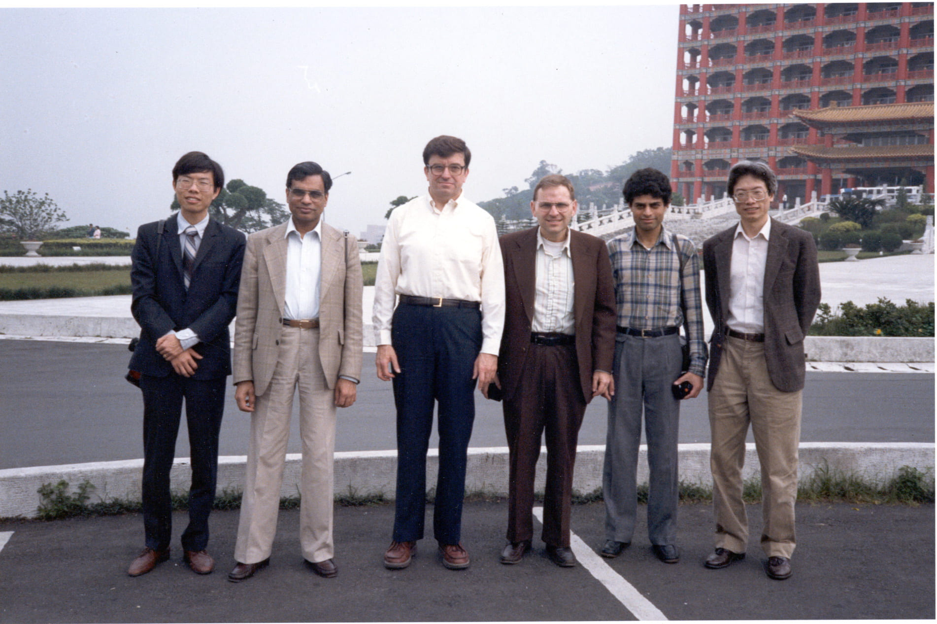 Lecturer group who did a seminar in Taiwan in 1986